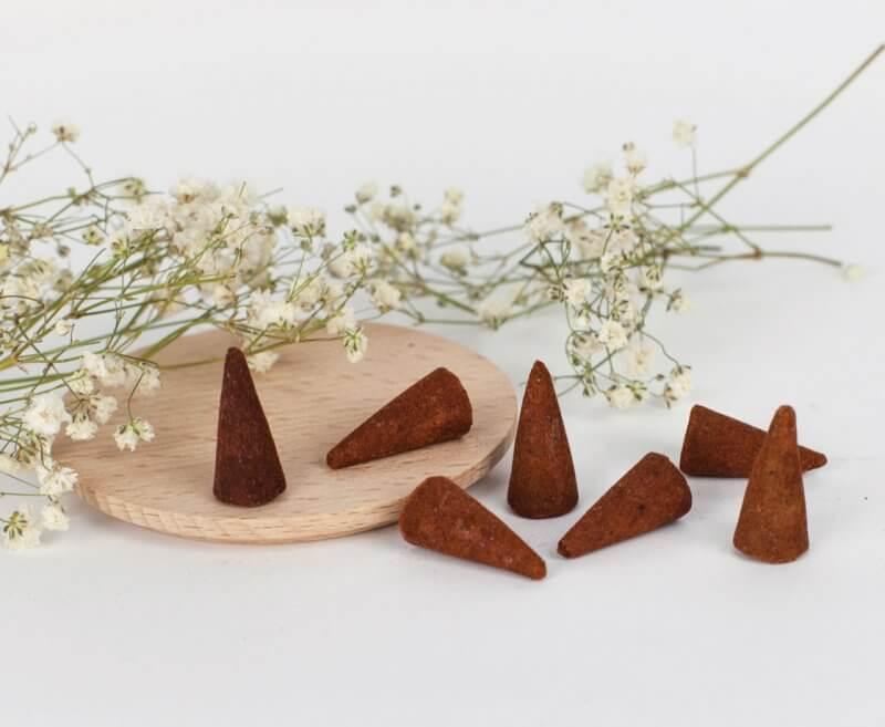 Próbki kadzidełek stożkowych Drzewo Sandałowe (7)